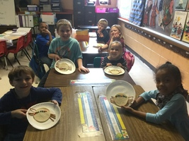 1st Graders enjoy Spider Sandwiches